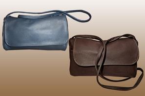 Classic Medium Leather HANDBAG